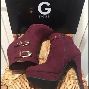 MAROON BOOTIES W/ GOLD BUCKLE NEW